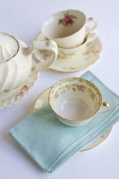 Tea party for 200? <3 A great alternative to a regular table setting at the reception