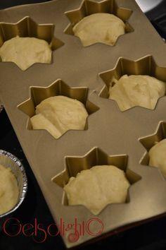 pandorini di natale stampi Italian Cookies, Italian Desserts, Mini Desserts, Cookie Desserts, Christmas Treats, Christmas Baking, Sweet Buns, Cake & Co, Food Humor