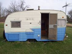 I know many of you are on the hunt for that perfect vintage trailer and I wanted to share with you 10 things you should check for when looking at one you are thinking about buying. 1. Water Damage.…