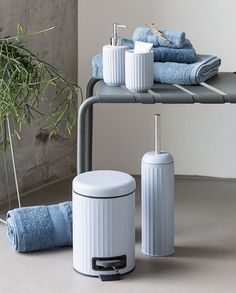 Clara prefers light colours and uncluttered lines in the bathroom. Therefore the new bathroom articles are just to her liking. Pr… - New Deko Sites Light Colors, Colours, Bathroom Accessories, Sweet Home, Articles, Interior, House, Home Decor, Architecture