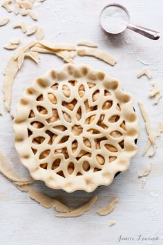 Apple pie ready for the oven | Janice Lawandi @ kitchen heals soul