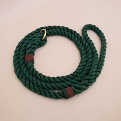 Rope dog handmade leash - pet supplies - dog leash - Green Soft cotton rope leash -Hand made cotton rope leash - The rope ends are spliced then whipped with Lasso's original knots for durability.