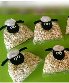 Shaun the sheep snack bag Birthday Menu, Farm Birthday, Birthday Treats, Toy Story Birthday, Birthday Parties, Bible Crafts For Kids, Craft Activities For Kids, Diy For Kids, Festa Toy Story