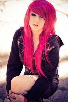 Pink hair is sooo pretty
