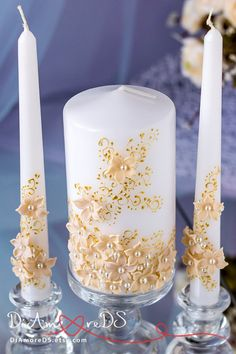 Unity candle set carefully designed and decorated with ivory pretty lace, beige flowers and pearls. These cute wedding candles will look great at both traditional and thematic wedding. Do not miss the opportunity to add them to your wedding unity ceremony! Exclusive products from DiAmoreDS