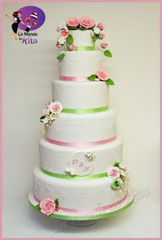 Le Monde de Kita: Le Wedding Cake Romantique Voici une pièce montée ...