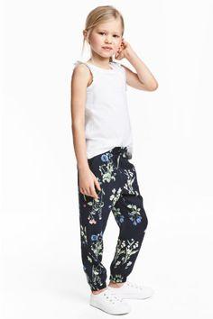 Nohavice bez zapínania - tmavomodrá/kvetovaná - DETI | H&M SK 1