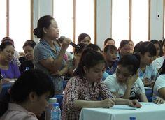 Thời gian công việc kéo dài, thu nhập thấp, lắm áp lực…, nhiều cô giáo mầm non đã lớn tuổi vẫn đi v...