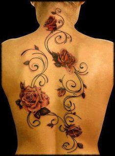 Rosen mit Perlen und Ranke Tattoo