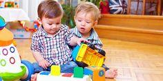 Hračky, které rozvíjejí u kojenců a batolat jejich smysly