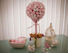 13 12 73 0 0 8403 Aujourd'hui je vous propose un petit tutoriel trouvé sur Brides Made qui vous permettra de faire vous-même un arbre à bonbons ! A utiliser…