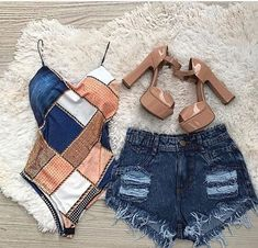 Here's a image, I believe will grab your interest! Casual Shorts Outfit, Cute Casual Outfits, Short Outfits, Outfits For Teens, Pretty Outfits, Summer Outfits, Fashion 101, Cute Fashion, Look Fashion