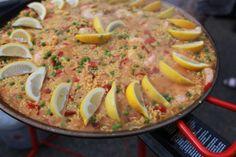 Paella almost done Havana Nights Party Theme, Ratatouille, Paella, Hot, Ethnic Recipes