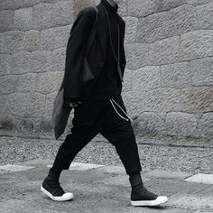 Credit: @adamx_xwhite • • • • • • #rickowens #rickowensdrkshdw #drkshdw #rickowensadidas #adidas #darkfashion #dark #rick #owens #shoes #fashionblogger #fashion #darkfashion #dunks #geobasket #ramones #rickowensonline #allthingsrickall.things.rick