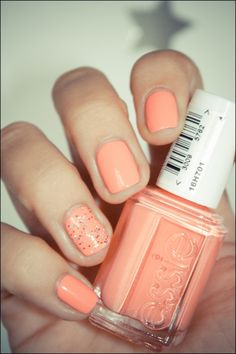 essie tart deco. Nice pale orange shade
