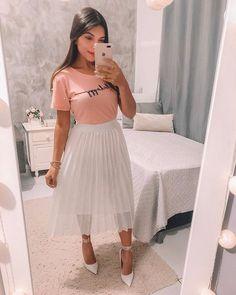 Raimara feitosa 🎀 женская одежда в 2019 г. Modest Wear, Modest Dresses, Modest Outfits, Modest Fashion, Cute Dresses, Fashion Dresses, Cute Skirt Outfits, Chic Outfits, Spring Outfits