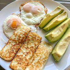 Made with natural ingredients Keto Diet helps promote ketosis to support healthy weight loss. Kick start with weight loss journey with Keto Diet. Keto Snacks, Healthy Snacks, Healthy Eating, Keto Desserts, Clean Eating, Cheese Fries, Fried Cheese, Comida Keto, Diet Recipes