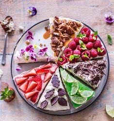 Juustokakku on juhlapöydän suussasulava suosikki! Waffles, Cheesecakes, Breakfast, Baking, Food, Morning Coffee, Cheese Cakes, Bakken, Eten