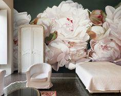 Thomas Darnell : Peonies White install wall paper papier peint décidemment j'adore cet effet d'optique dans une chambre