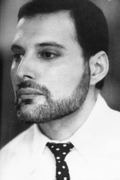 In addition to being one of the greatest frontmen of all time, Freddie Mercury could pull off a mean beard.