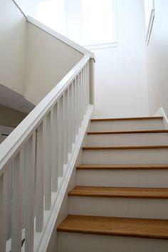 stair railing, base