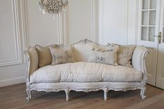 French Louis XV Style Daybed Sofa in Linen from Full Bloom Cottage....need to re-do my rose couch to these colors, except mine has tufted back & 3 bottom cushions. Love this!!