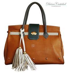 Jolie Bag by Divina Castidad Handbags en Fall in Love Collection 13!!!  en cuero miel x tapa verde militar + manijas taupe y detalles beige.