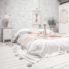 02. bed-on-floor