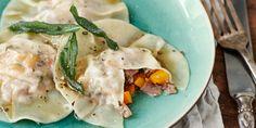 Gevulde ravioli met pompoen, salie, prosciutto en beurre noisette