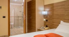 Booking.com: Hotel Domidea - Roma, Italia