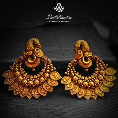 Gold Jhumka Earrings, Indian Jewelry Earrings, Antique Earrings, Temple Jewellery, Antique Jewellery Designs, Gold Jewellery Design, Stylish Jewelry, Fashion Jewelry, Ruby Necklace Designs
