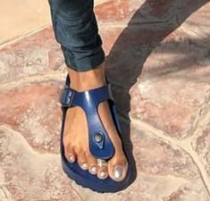 Polished Toes, Toe Polish, Birkenstocks, Toe Rings, Sandals, Hot, Fashion, Moda, Shoes Sandals