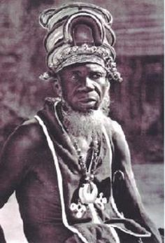 Chief Kauka, Lunda-Chokwe, Angola.   READ article Ready For Marriage, Traditional African Clothing, Tribal Warrior, African Royalty, Warrior King, African Art, African Tribes, People Of The World, Archetypes
