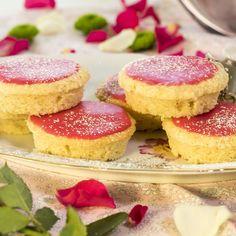 Enkla mandelmazariner Afternoon Tea, Scones, Cheesecake, Gluten, Desserts, Pink, Tailgate Desserts, Cheese Cakes, Dessert