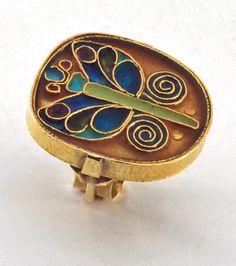 Ring | Mary Kretsinger.  18kt gold and cloisonné enamel.