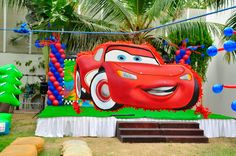 Balloon Columns for the CARS Party by @Fantasyparty