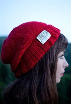Buy & sell new, pre-owned & vintage fashion Slouchy Beanie, Cherry Red, Knitted Hats, Winter Hats, Vintage Fashion, Buy And Sell, Unisex, Knitting, Stuff To Buy
