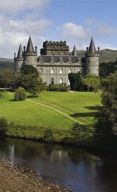 Inveraray Castle in the county of Argyll, in western Scotland, on the shore of Loch Fyne, Scotland's longest sea loch. Scotland Castles, Scottish Castles, Scotland Uk, Ireland Castles, Chateau Medieval, Medieval Castle, Gothic Castle, Castle Ruins, Castle House