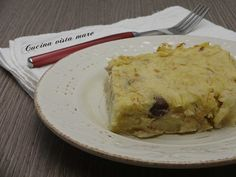 Il tortino di patate e tonno è semplicemente gustoso: si prepara facilmente e ha come base quegli ingredienti che in casa non mancano mai!
