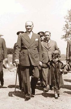 Atatürk and adopted daughter Ülkü Adatepe