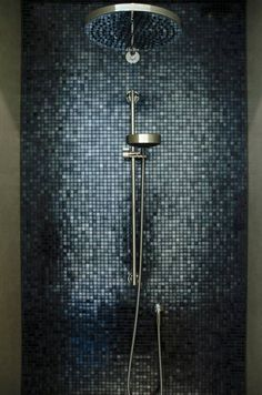 Gäste Wc Badkamer Deluxe: Moderne Badezimmer von Grego Design Modern Tips To Look And Feel Confident Bathroom Interior Design, Modern Interior Design, Interior Decorating, Studio Interior, Decorating Games, Decorating Websites, Contemporary Interior, Mosaic Shower Tile, Mosaic Bathroom