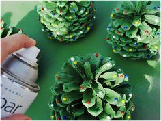 Holiday DIY: Pinecone Trees spray painted like Christmas Trees. #pinecones #christmas #diy