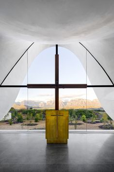 "Steyn Studio, working in collaboration with South African firm designed this striking architectural project for the Bosjes Canopy Chapel in South Africa. ""The chapel… Sacred Architecture, Religious Architecture, Church Architecture, Amazing Architecture, Contemporary Architecture, Architecture Design, Glass Structure, Concrete Structure, Monuments"
