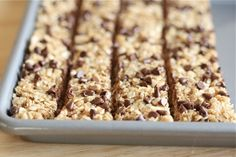 "Quick easy healthy snack- ""No Bake healthy chocolate chip granola bars. Holy Cow, these are great! The kids love them, they take only 5 min to make, and they are yummy! Yummy Snacks, Yummy Treats, Delicious Desserts, Snack Recipes, Dessert Recipes, Yummy Food, Kid Snacks, Easy Recipes, Sweet Treats"