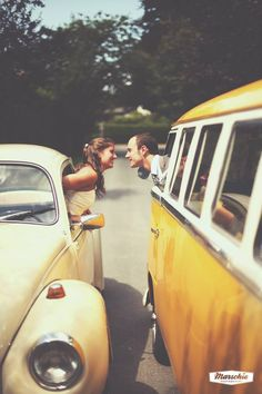 VW Engagement pictures beetle and bus