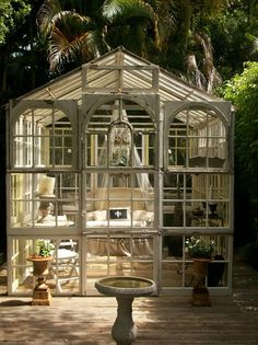 a glass conservatory // This is really on my #BucketList