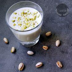 Pisztácia joghurt 1,3l Vegan Desserts, Panna Cotta, Pudding, Ethnic Recipes, Food, Yogurt, Dulce De Leche, Custard Pudding, Essen