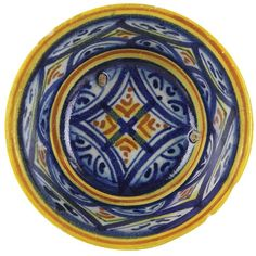 Bowl on Concave Base, Faenza, 16th Century