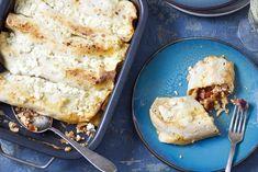 Een snelle, smaakvolle ovenschotel met wraps. Vind hier hoe je deze gezonde schotel metkipgehakt, tomatenblokjesen cottage cheesemaakt! Lunch Wraps, Tortilla Wraps, My Recipes, Food Inspiration, Love Food, Natural Remedies, Health Tips, Healthy Living, Easy Meals