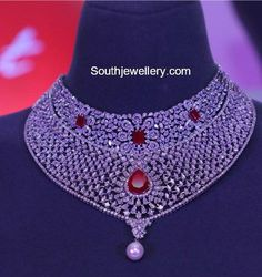 Latest Diamond Necklace Collection by Tanishq photo Gold Earrings Designs, Gold Jewellery Design, Necklace Designs, Diamond Jewellery, Gold Designs, Fashion Jewellery, Real Gold Jewelry, Indian Jewelry, Lotus Jewelry